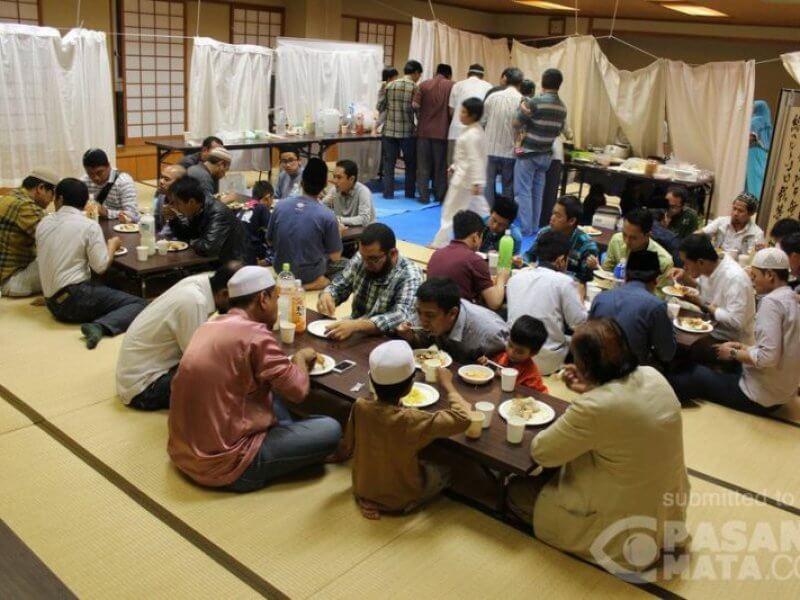 Buka Bersama di Jepang